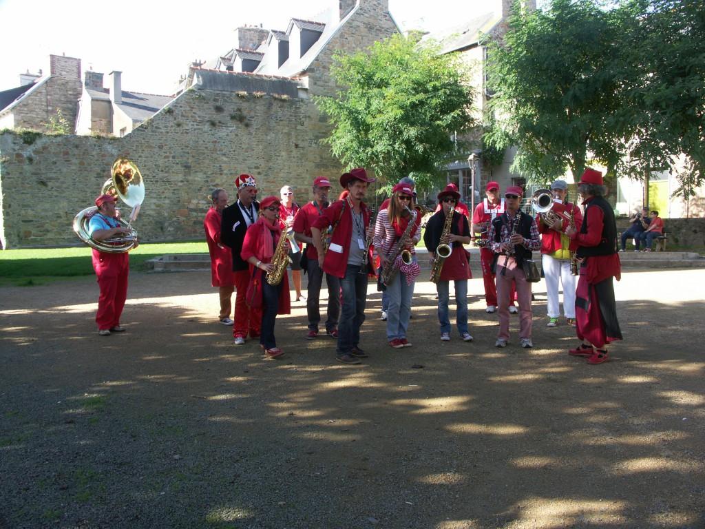 Fanfare Prise de bec à Paimpol, octobre 213 - Photographie : Rosine Bernez